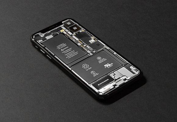 This iPhone Designer Says No More Screens